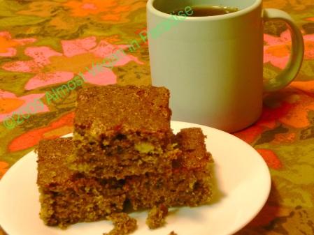 Moist, banana-y and vegan banana bread/cake