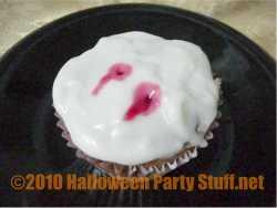 vampire bite halloween cupcakes