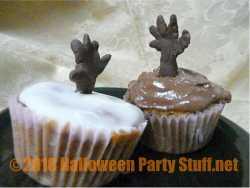 zombie hands Halloween cupcakes