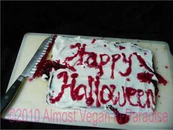 slasher halloween cake