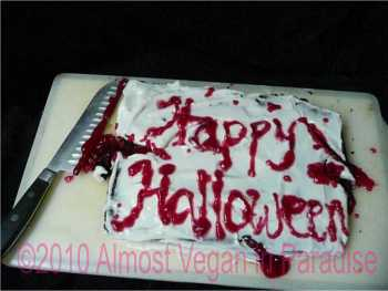 slasher halloween cake
