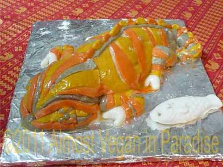 chameleon cake with vegan fondant