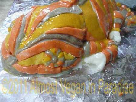 chameleon cake face
